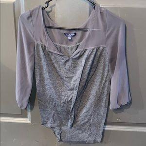 Grey quarter sleeve shirt